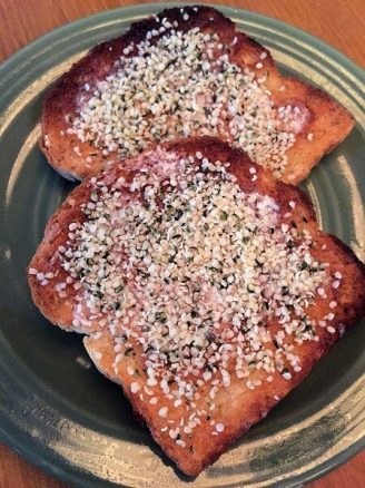 Toast with hemp hearts