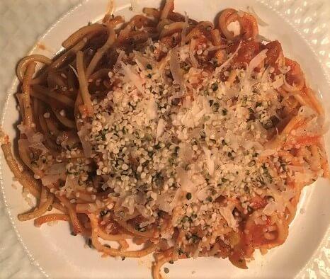 spaghetti with hemp hearts